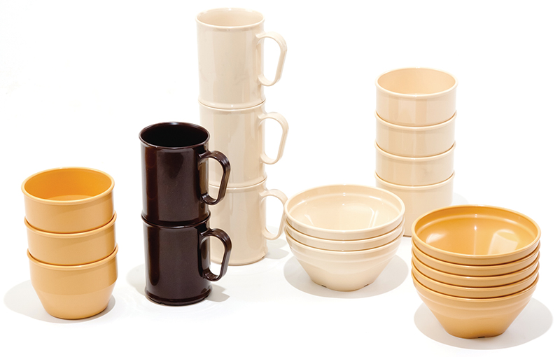 MUGS BOWLS GROUP SHOT